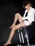高校女教师的美腿高跟