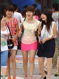 [户外街*拍] 2013.09.17 粉红套裙黑丝黑靴美 女 黑白连衣裙美 女